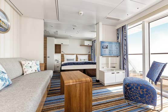 mein schiff 4 schiffsportrait reisef hrer. Black Bedroom Furniture Sets. Home Design Ideas